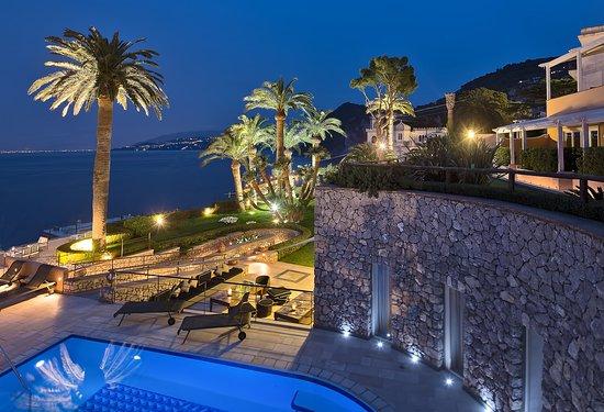 Villa Marina Hotel & Spa: HVMExternal View By Night