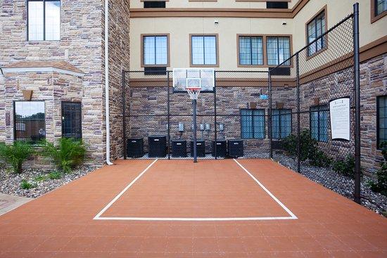Staybridge Suites Corpus Christi: Sports Court