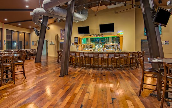 Gretna, LA: Roundhouse Bar & Grill - Holiday Inn New Orleans Westbank