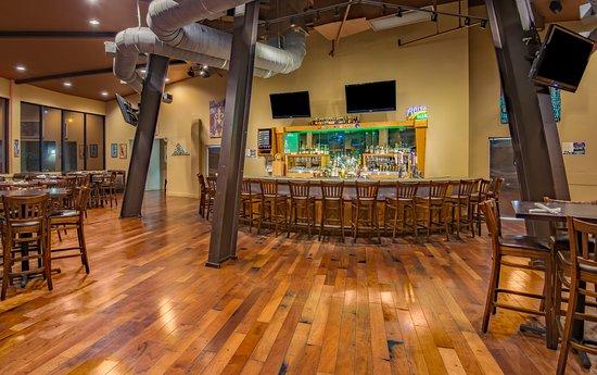 เกรตนา, หลุยเซียน่า: Roundhouse Bar & Grill - Holiday Inn New Orleans Westbank