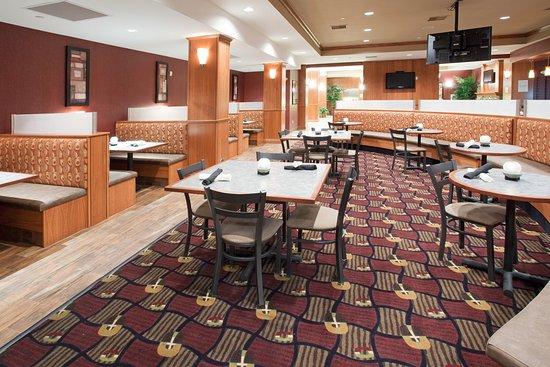 Holiday Inn Hotel & Suites Grand Junction-Airport: Ask about our Daily Chef's Special at the Grand Valley Grill