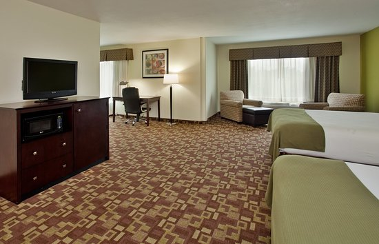 Holiday Inn Express Hotel & Suites Kansas City Sports Complex: Executive Room