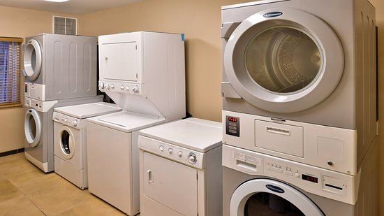 Athens, Gürcistan: Laundry Facility