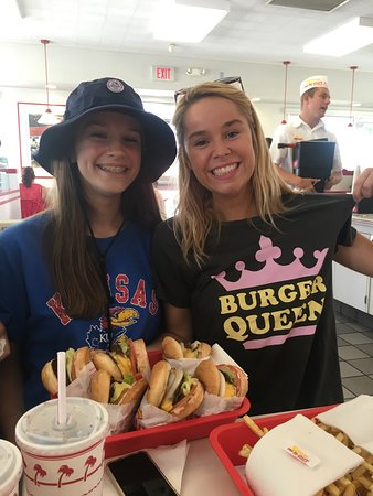 In-N-Out Burger: When in Cali, one has to try it out! 3 teenagers were in heaven! It is all about the animal frie
