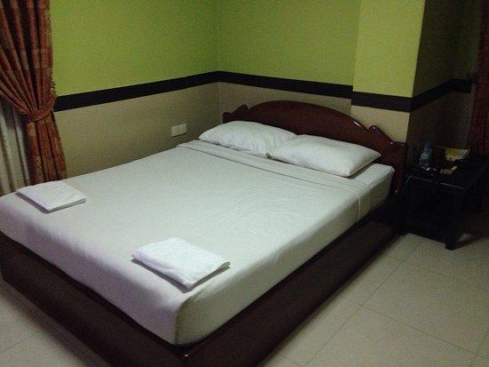 Long Live Hotel