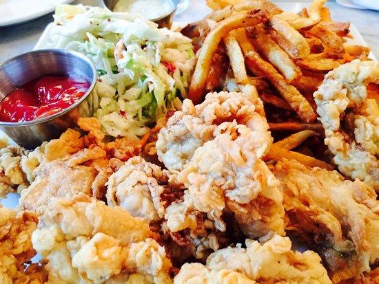 Hank's Oyster Bar : photo0.jpg