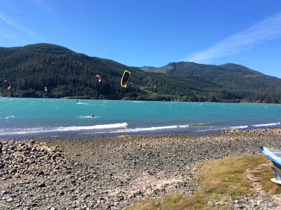 Elevation Kiteboarding School: Kiteboarding on Nitinat Lake