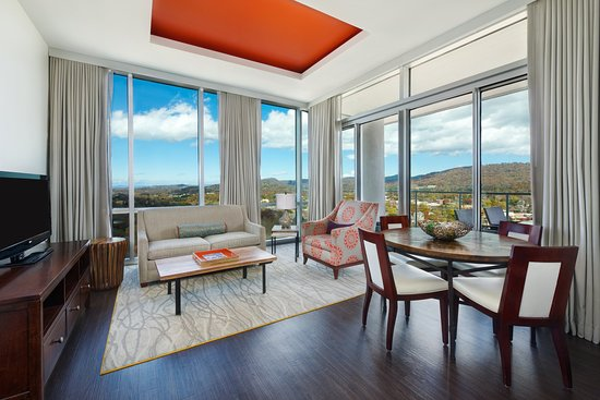 Hotel Indigo Asheville Downtown: King Suite Living Area with boasts expansive mountain views