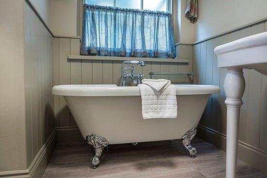 Washingborough Hall Rm Bathroom