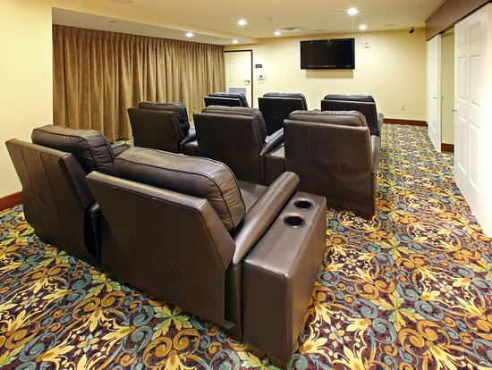 Staybridge Suites West Fort Worth: Relax and watch a movie in our Den.