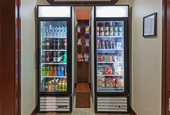 Staybridge Suites West Fort Worth: Grab a snack anytime in our Pantry