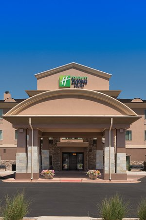 Holiday Inn Express Hotel & Suites Denver Northeast - Brighton: Entrance