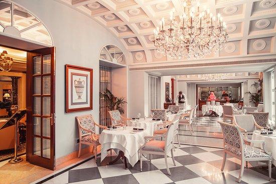 InterContinental Kiev: French Restaurant Comme II Faut