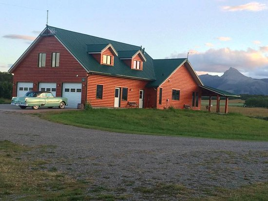 Twin Butte, Canada: main house