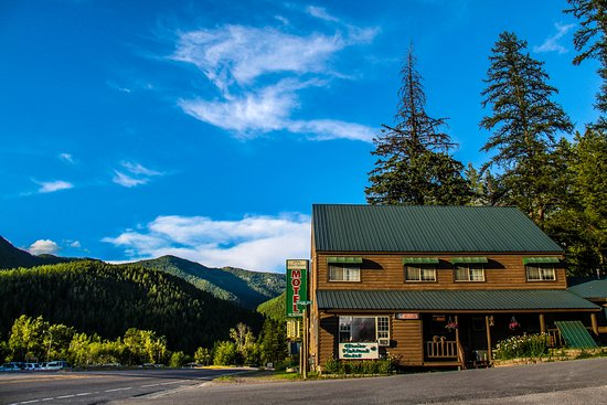 Glacier Highland Resort