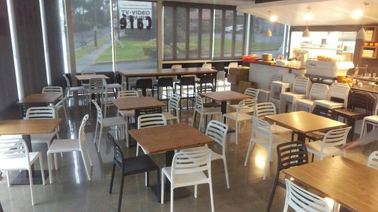 Croydon, أستراليا: The Full Pantry