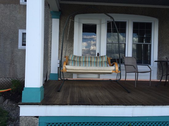 Ovid, NY: the awesome porch swing