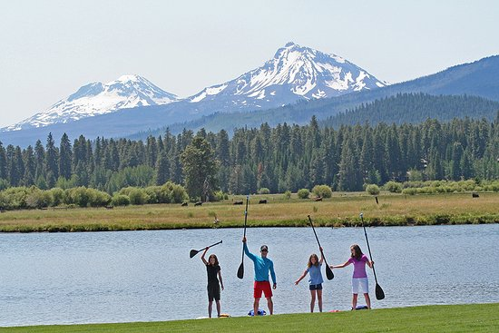 Black Butte Ranch, OR : Family paddleboarding at BBR