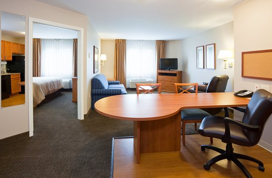 Candlewood Suites La Crosse: One Bedroom Suite