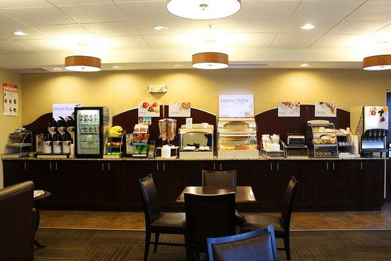 Malone, NY: Breakfast Area
