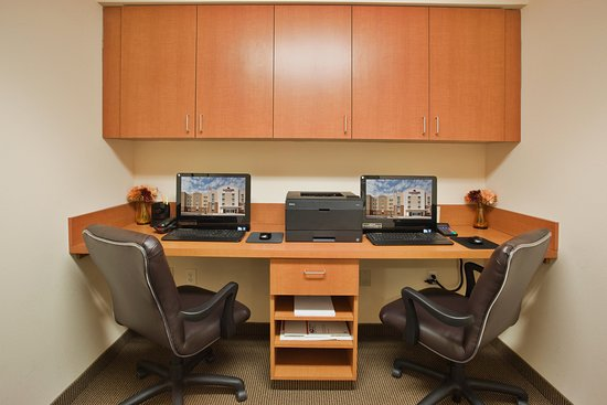 Candlewood Suites Fayetteville: Business Center