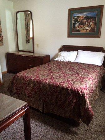 Hillside Motel: photo3.jpg