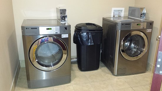 Holiday Inn Express & Suites Havelock: Laundry Facility