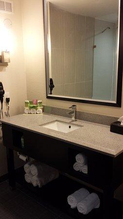 แฮฟล็อค, นอร์ทแคโรไลนา: Guest Bathroom