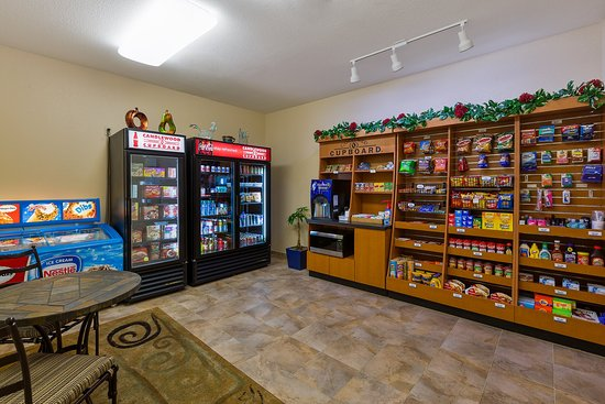 Decatur, TX: Candlewood Cupboard