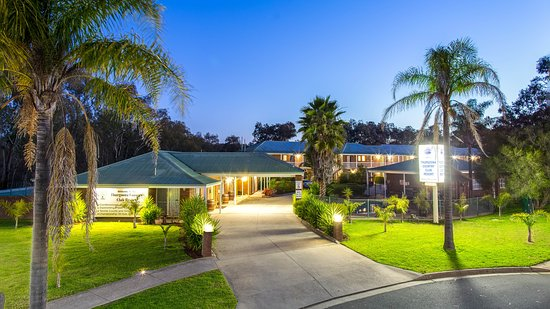 Thurgoona Country Club Resort: Evening View