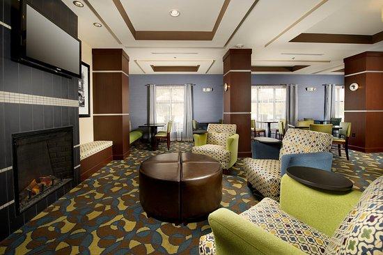 Tullahoma, TN: Lobby Lounge