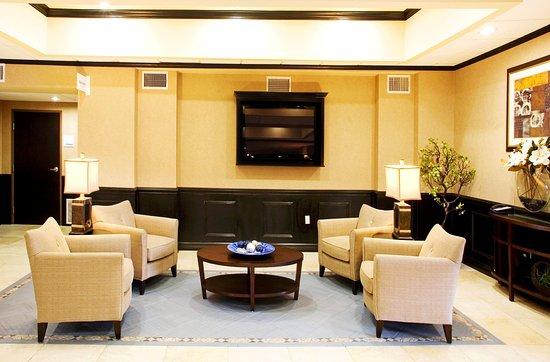 Holiday Inn Express & Suites Corpus Christi: Hotel Lobby