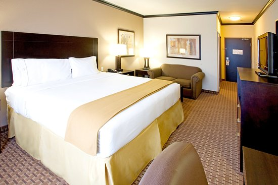 Holiday Inn Express & Suites Corpus Christi: King Bed Guest Room