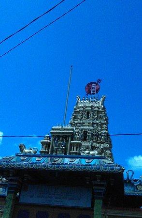 Shri Mariamman Temple: Kuil Shri Mariamman di Jalan Zainul Arifin Medan