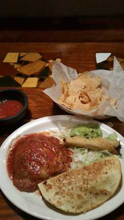 La Bamba Mexican Cafe: combination dish