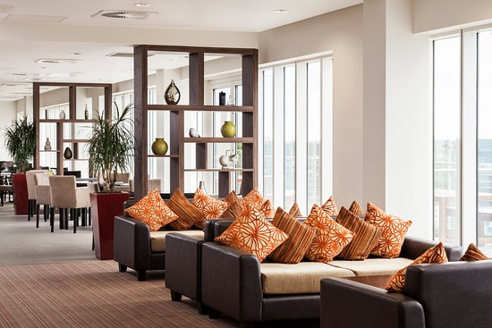 Staybridge Suites London-Stratford City: Guest Lounge Area