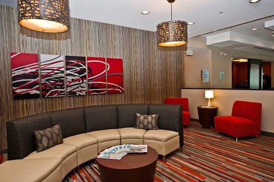 Holiday Inn Express Hotel & Suites Columbus - Easton