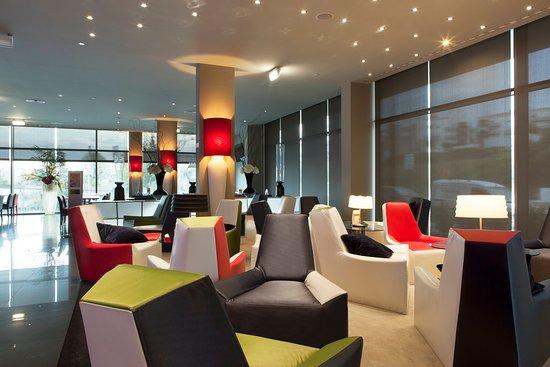 Holiday Inn Express Lisbon Alfragide: Lobby Lounge