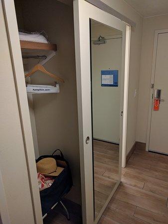 Brigham City, UT: Sliding bathroom / closet door won't wear well