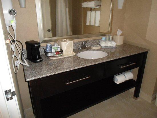 Alpine, TX: Guest Bathroom