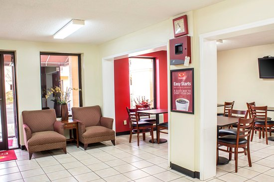 Econo Lodge Research Triangle Park: Lobby