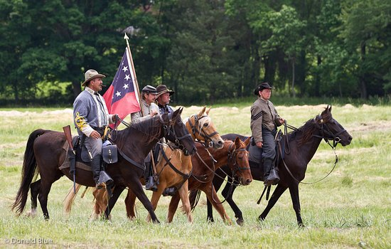 Holiday Inn Express Fredericksburg Southpoint: Spotsylvania Reenactment