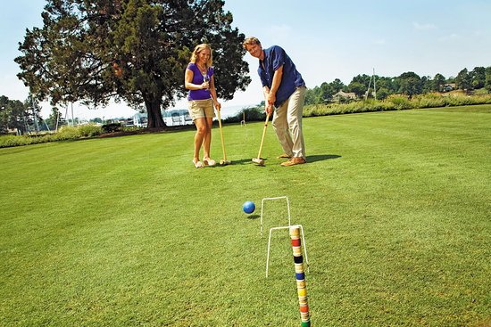 Irvington, VA: HRCroquet Couple