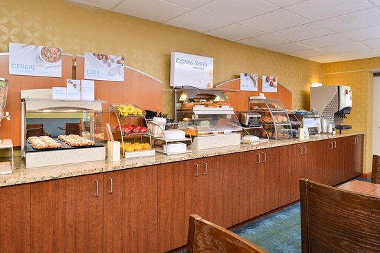 Holiday Inn Express Hunt Valley : Breakfast Bar