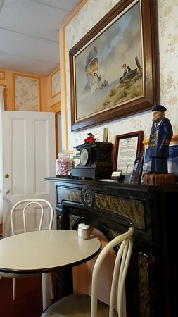 The Village Inn: 20160731_081844_large.jpg