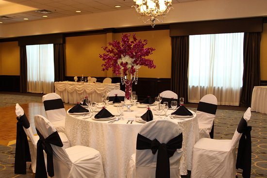 Host your Special Event at Holiday Inn, Budd Lake.