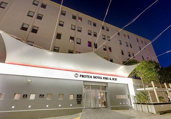 Protea Hotel Fire & Ice Cape Town: Exterior