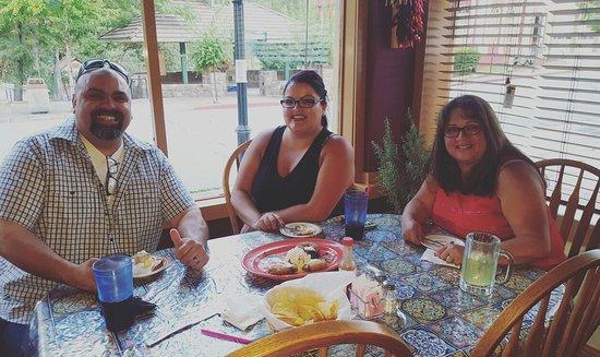 Dunsmuir, CA: La Perla De Nayarit