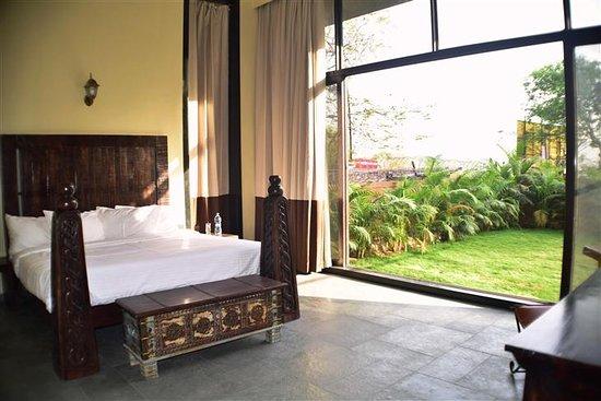 Triose Villa