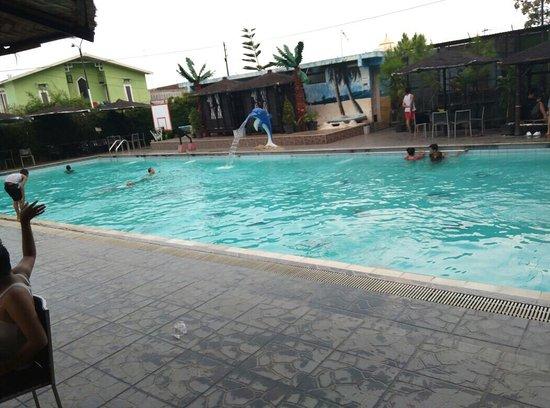 Batu Wonderland Hotel & Resort: Tempat renang